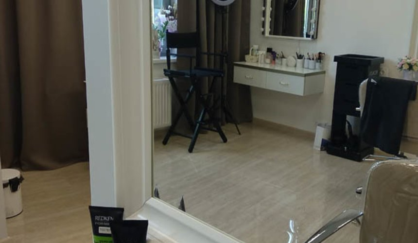 Дизайн интерьера и ремонт салона красоты в ЖК Флагман 21